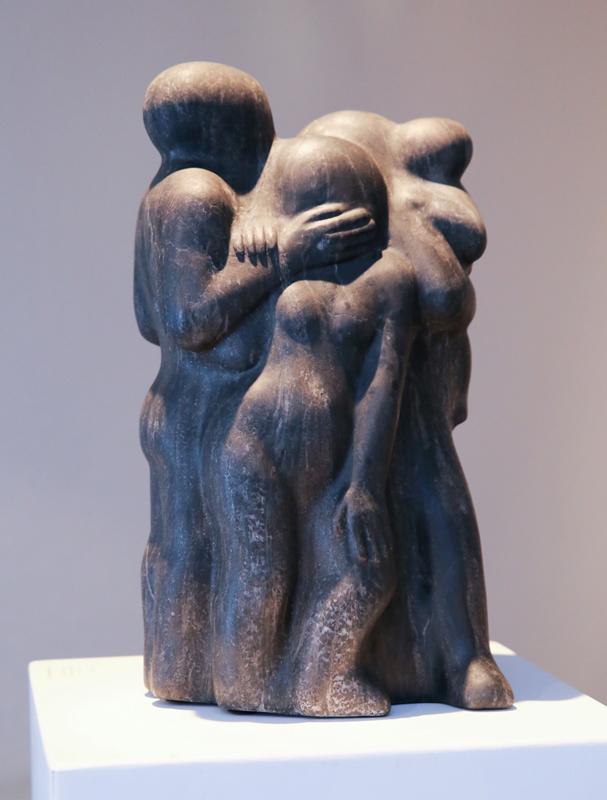 """""""Familientreffen 2"""",2013, Unikat, schwarzer Alabaster, Maße: 40,5 x 23 x 20 cm"""